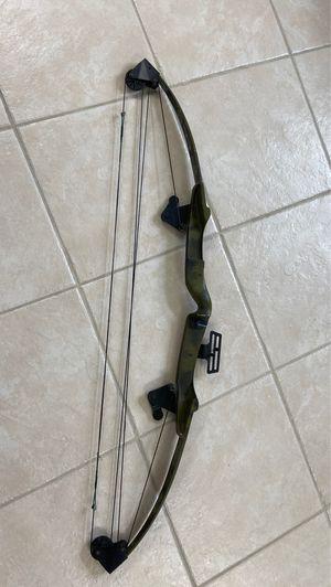 Bear archery bow, camo for Sale in Apopka, FL