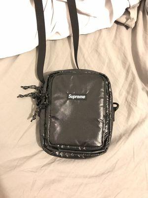 Supreme bag for Sale in Boca Raton, FL