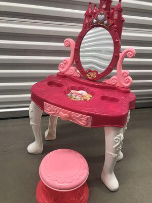 Kids vanity table for Sale in San Martin, CA