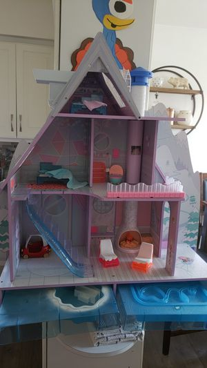 LOL DOLL HOUSE SKI LODGE for Sale in Chicago, IL