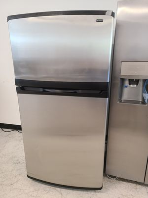 Kenmore stainless steel top freezer refrigerator used good condition with 90 days warranty for Sale in Mount Rainier, MD