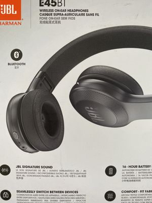 JBL E45 BT Wireless Headphones for Sale in Halethorpe, MD