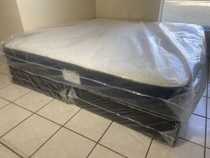 New King Mattress Boxspring FREE DELIVERY for Sale in Town 'n' Country, FL