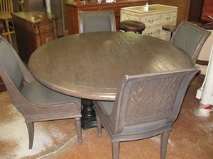 DINNING ROOM TABLE AND CHAIRS for Sale in Fort Lauderdale, FL