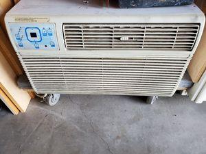 20amp 220v window AC/ HEATER for Sale in Hemet, CA