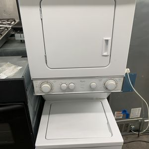 Whirlpool 220v Electric Laundry Center for Sale in Yorba Linda, CA