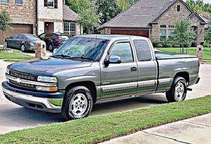 ֆ12OO 4WD CHEVY SILVERADO 4WD for Sale in Eolia, MO