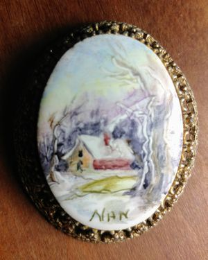 Vintage Porcelain Pendant** for Sale in Aloma, FL