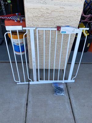 Regalo Baby/Pet Walk Through Gate for Sale in Phoenix, AZ