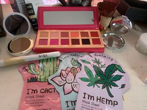 Brand new makeup for Sale in Medford, OR