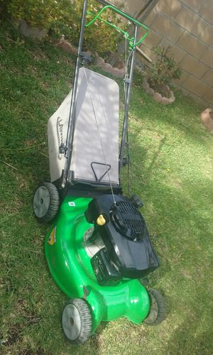 Lawn boy self-propelled lawnmower practically new price is firm no lowballers please no trades for Sale in Fontana, CA