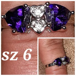 Beautiful sterling silver ring w/2 amethyst hearts. for Sale in Glen Burnie, MD