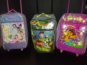 Childrens travel bag on wheels for Sale in Columbus, OH