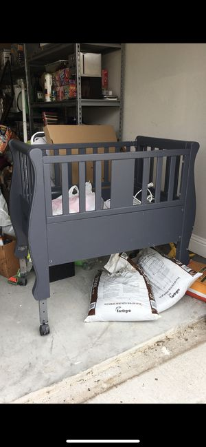 Baby mini crib for Sale in Frisco, TX