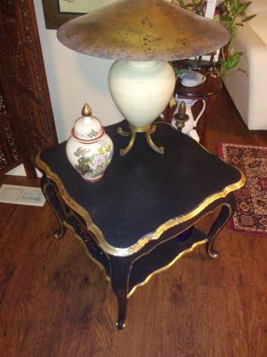 Antique French Provincial lamp table. for Sale in South Salt Lake, UT