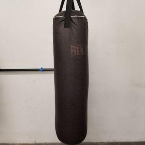 80lb Everlast Punching Bag for Sale in Cerritos, CA