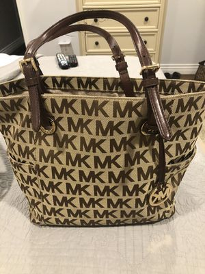 Michael Kors tote bag in good condition. for Sale in Wappingers Falls, NY