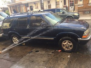 2000 Chevy blazer 4x4 142*** miles clean title for Sale in Philadelphia, PA