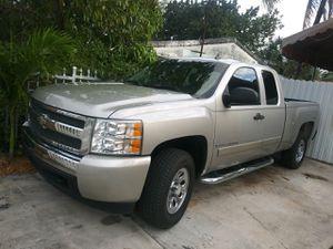 2008 CHEVY SILVERADO for Sale in Miami, FL