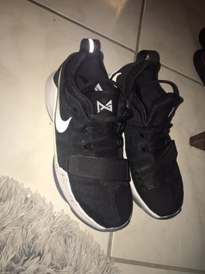 Kyries Nike basketball shoes size 6 in boys for Sale in Pompano Beach, FL