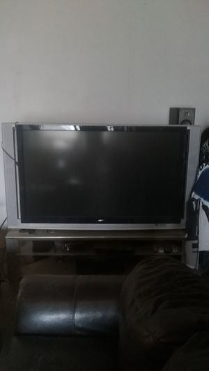 Free Sony wega must pick up for Sale in Springtown, TX
