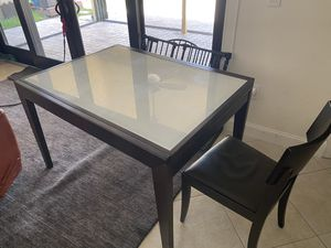 Expandable dining or kitchen table- glass for Sale in Fort Lauderdale, FL