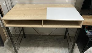 Desk gently used $40 for Sale in Clovis, CA