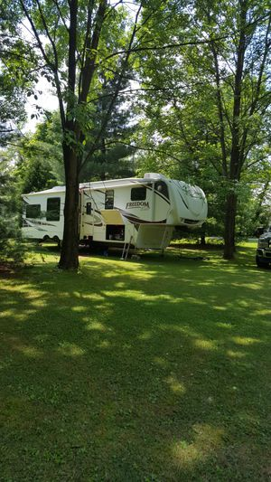 40 keystone freedom elite 5th wheel for Sale in Carmi, IL