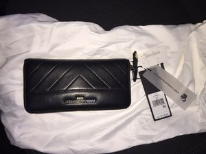 Karl Lagerfeld leather wallet for Sale in Millersville, MD
