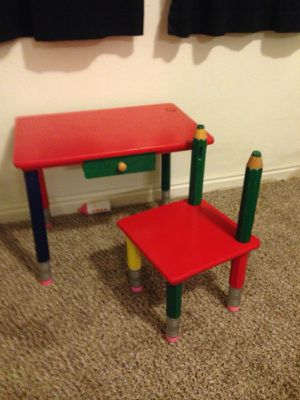 Kids wood desk and chair for Sale in South Jordan, UT