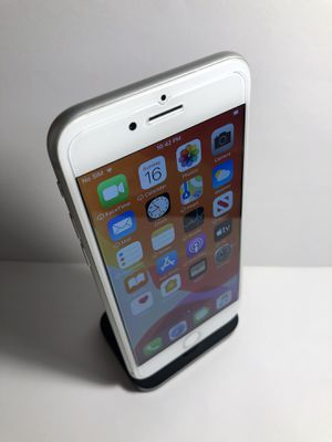 iPhone 8 64gb Silver (Factory Unlocked) Excellent Condition for Sale in Oakland, CA