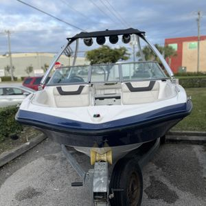 Yamaha 2013 SX190, Blue and White 19 Feets. for Sale in Miami Shores, FL