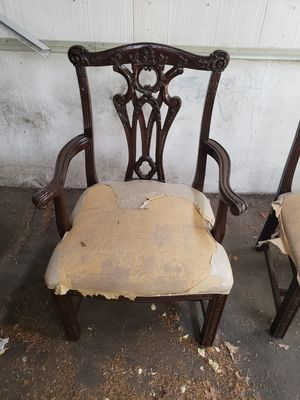 Dinning room chairs for Sale in Lakewood Township, NJ