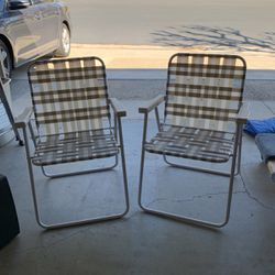 Free Folding Chairs for Sale in Newport Beach,  CA