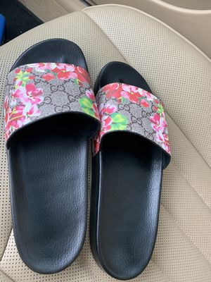Gucci bloom slides size 11 women's for Sale in Vancouver, WA