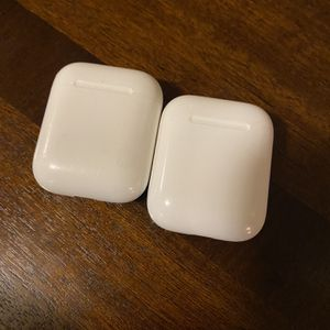 AirPod Gen 1with extra case for Sale in Vancouver, WA