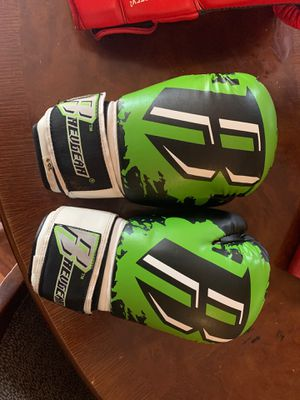Kid's boxing gloves size 6-7 or so for Sale in Fort Lauderdale, FL