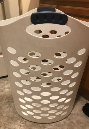 Laundry basket for Sale in Mifflinburg, PA