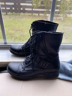 Black boots guess for Sale in Dallas, TX