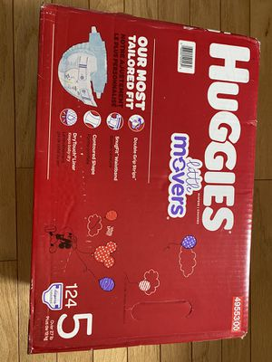 Little movers huggies diapers size 5 124 pack for Sale in Los Angeles, CA