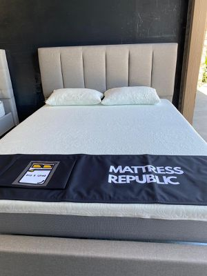Queen Size Bed Set Brand New Cooling Gel Memory Foam Mattress And Bed Frame Set all brand new in the box for Sale in Chula Vista, CA