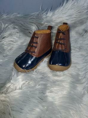 small rubber rain boots size 3 for Sale in Newport News, VA