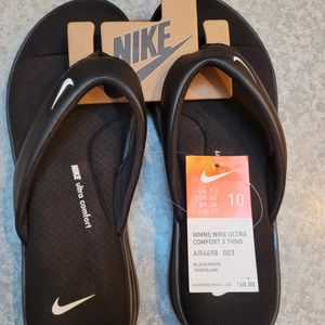 women's nike ultra comfort 3 thong- Size 10 for Sale in Marysville, WA