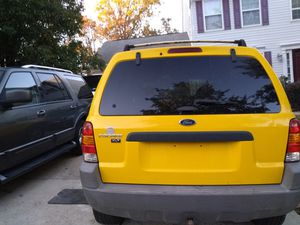 2001 Ford Escape Clean Title with 86k mile for Sale in Glenarden, MD