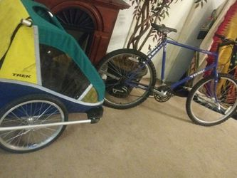 Bike With Trailer for Sale in Tacoma,  WA