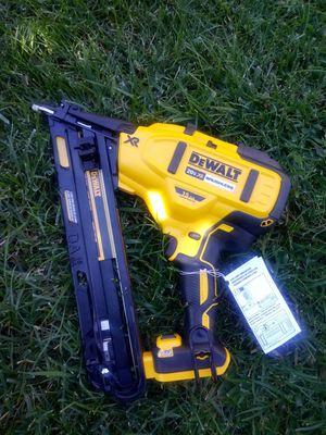 "Dewalt finis nailer 15"" nueva tool only for Sale in Moreno Valley, CA"