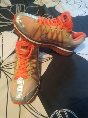 Shoes Nike air max size 9.5 for men chequen mis ofertas👟👖 for Sale in Los Angeles, CA