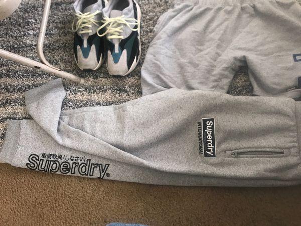 Yeezy Adidas Amira Large Shirt SuperDry Sweats