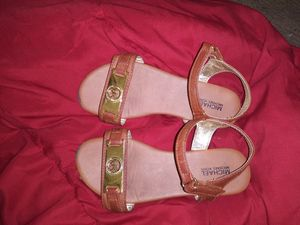 Michael kors sandals size 1 for Sale in Orlando, FL