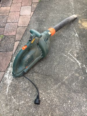 Black and decker leaf blower for Sale in Boca Raton, FL